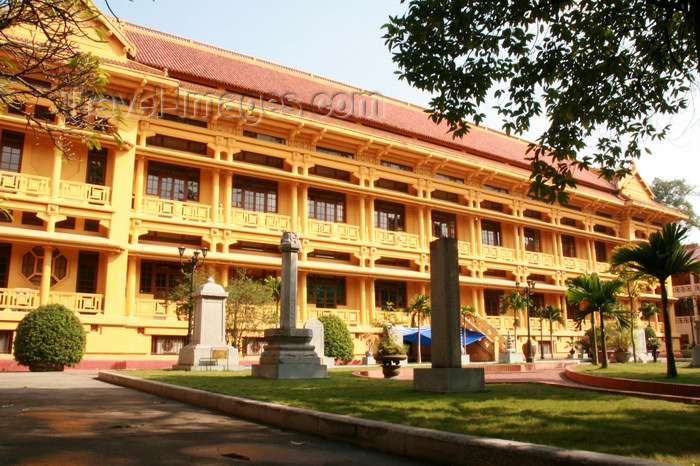 vietnam91: Hanoi - Vietnam - National History Museum - French colonial architecture - photo by Tran Thai - (c) Travel-Images.com - Stock Photography agency - Image Bank