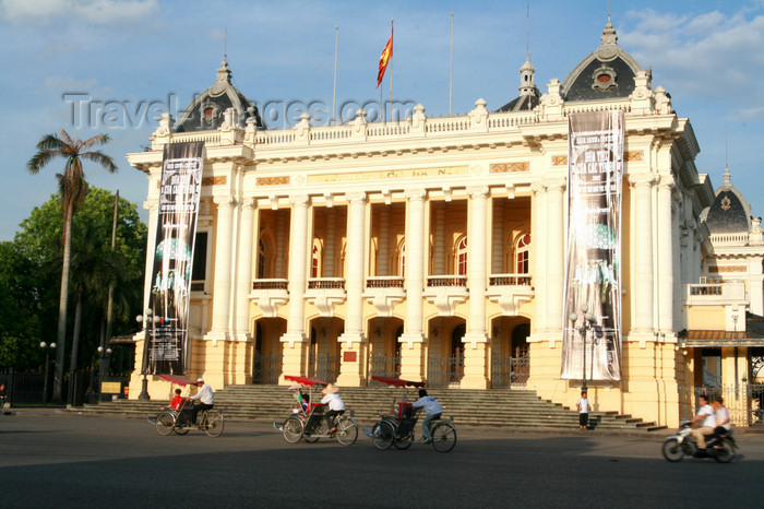 vietnam92: Hanoi - Vietnam - Hanoi Opera House - Trang Tien Street - architects Harley and Broyer - photo by Tran Thai - (c) Travel-Images.com - Stock Photography agency - Image Bank