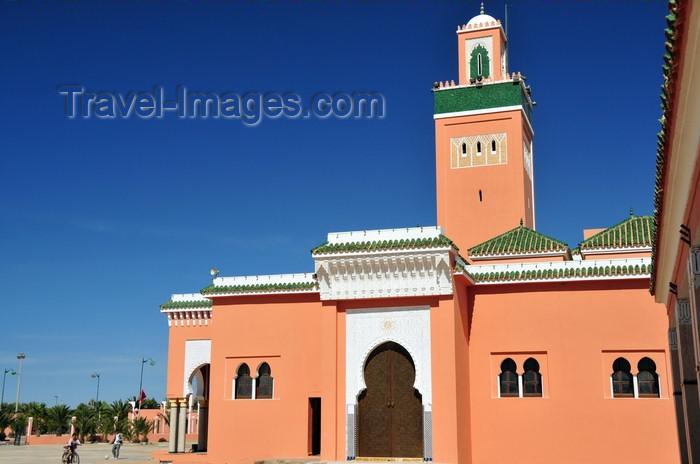 western-sahara108: Laâyoune / El Aaiun, Saguia el-Hamra, Western Sahara: Laayoune Moulay Abdel Aziz Great Mosque - south façade - photo by M.Torres - (c) Travel-Images.com - Stock Photography agency - Image Bank