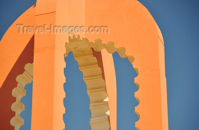 western-sahara109: Laâyoune / El Aaiun, Saguia el-Hamra, Western Sahara: Place du Mechouar - detail of one of the towers - photo by M.Torres - (c) Travel-Images.com - Stock Photography agency - Image Bank
