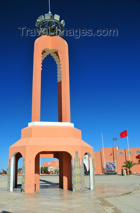 western-sahara123: Laâyoune / El Aaiun, Saguia el-Hamra, Western Sahara: tower at Place du Mechouar - Mechouar is a place for pledging allegiance to a sovereign, so the square is symbolic of the wish for Sahrawi submission - photo by M.Torres - (c) Travel-Images.com - Stock Photography agency - Image Bank