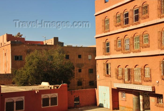 western-sahara20: Laâyoune / El Aaiun, Saguia el-Hamra, Western Sahara: earth colour buildings near Blvd el-Kairaouane - photo by M.Torres - (c) Travel-Images.com - Stock Photography agency - Image Bank