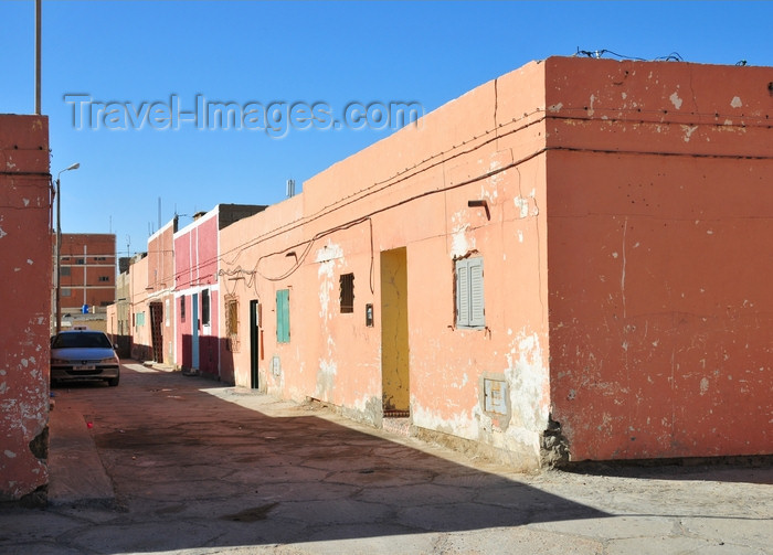 western-sahara27: Laâyoune / El Aaiun, Saguia el-Hamra, Western Sahara: colonial period houses at Colomina district - photo by M.Torres - (c) Travel-Images.com - Stock Photography agency - Image Bank