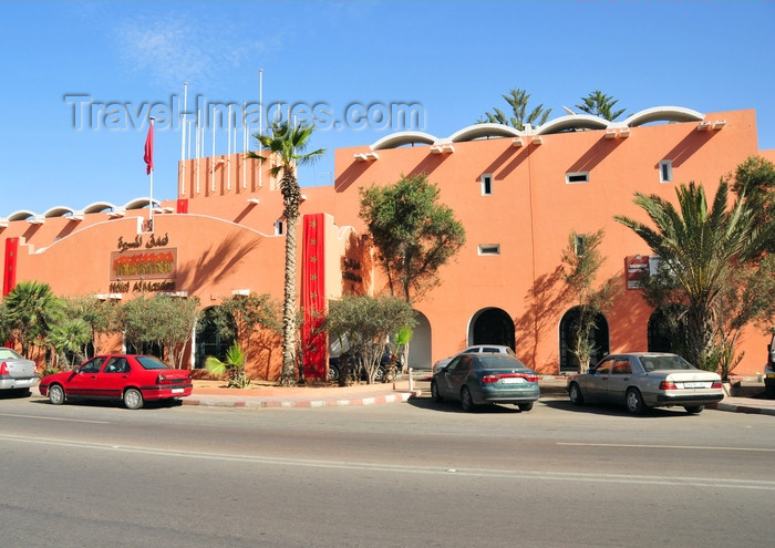 western-sahara56: Laâyoune / El Aaiun, Saguia el-Hamra, Western Sahara: Hotel al Massira - Blvd de Mekka - photo by M.Torres - (c) Travel-Images.com - Stock Photography agency - Image Bank