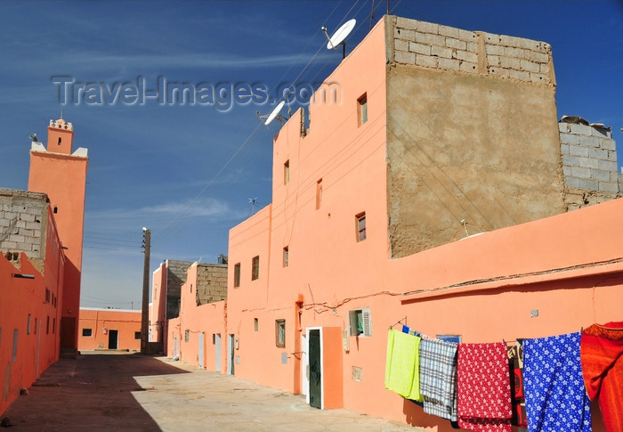 western-sahara75: Laâyoune / El Aaiun, Saguia el-Hamra, Western Sahara: street in the Colonial district - photo by M.Torres - (c) Travel-Images.com - Stock Photography agency - Image Bank