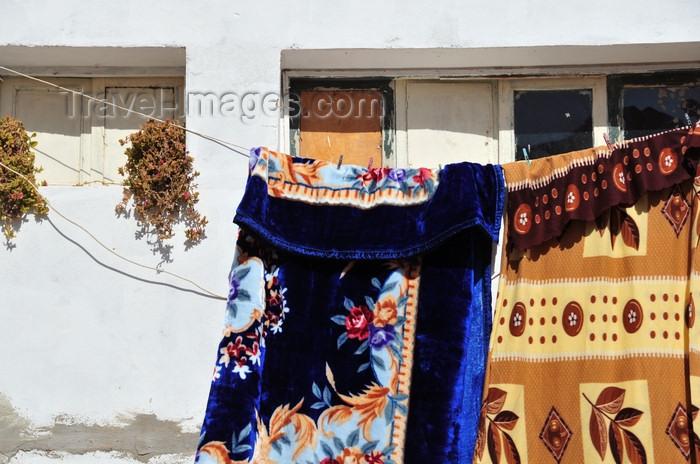 western-sahara77: Laâyoune / El Aaiun, Saguia el-Hamra, Western Sahara: blankets - Colonial district - photo by M.Torres - (c) Travel-Images.com - Stock Photography agency - Image Bank