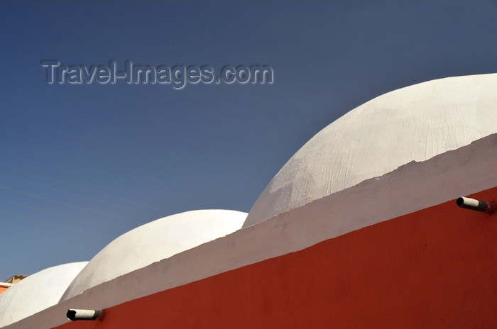 western-sahara78: Laâyoune / El Aaiun, Saguia el-Hamra, Western Sahara: white domes of Sahrawi architecture - Colonial district - photo by M.Torres - (c) Travel-Images.com - Stock Photography agency - Image Bank