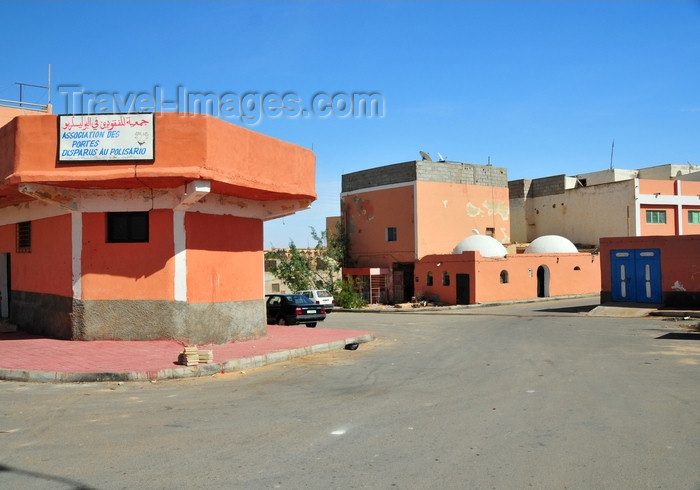 western-sahara79: Laâyoune / El Aaiun, Saguia el-Hamra, Western Sahara: Association for those who Disappeared at the hands of the Polisario, bears the Moroccan views - Association des portés disparus au Polisario - Colonial district - photo by M.Torres - (c) Travel-Images.com - Stock Photography agency - Image Bank