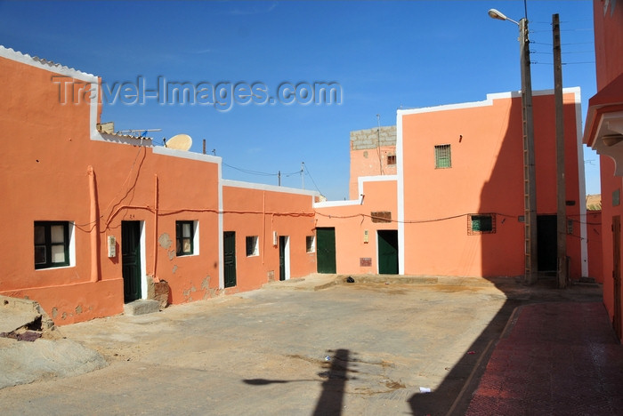 western-sahara80: Laâyoune / El Aaiun, Saguia el-Hamra, Western Sahara: small square in the Colonial district - photo by M.Torres - (c) Travel-Images.com - Stock Photography agency - Image Bank