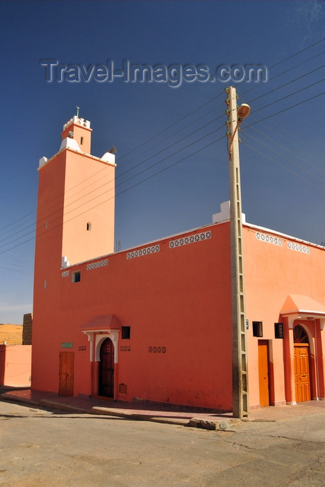 western-sahara83: Laâyoune / El Aaiun, Saguia el-Hamra, Western Sahara: the old mosque - Colonial district - photo by M.Torres - (c) Travel-Images.com - Stock Photography agency - Image Bank