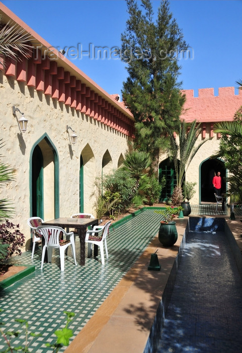 western-sahara84: Laâyoune / El Aaiun, Saguia el-Hamra, Western Sahara: Hotel Parador - Spanish patio with a touch of Moroccan Riad - photo by M.Torres - (c) Travel-Images.com - Stock Photography agency - Image Bank