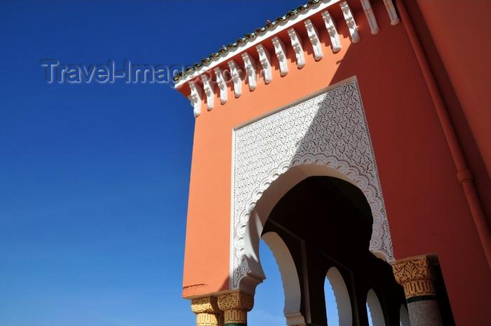 western-sahara93: Laâyoune / El Aaiun, Saguia el-Hamra, Western Sahara: Moulay Abdel Aziz Great Mosque - front porch - photo by M.Torres - (c) Travel-Images.com - Stock Photography agency - Image Bank