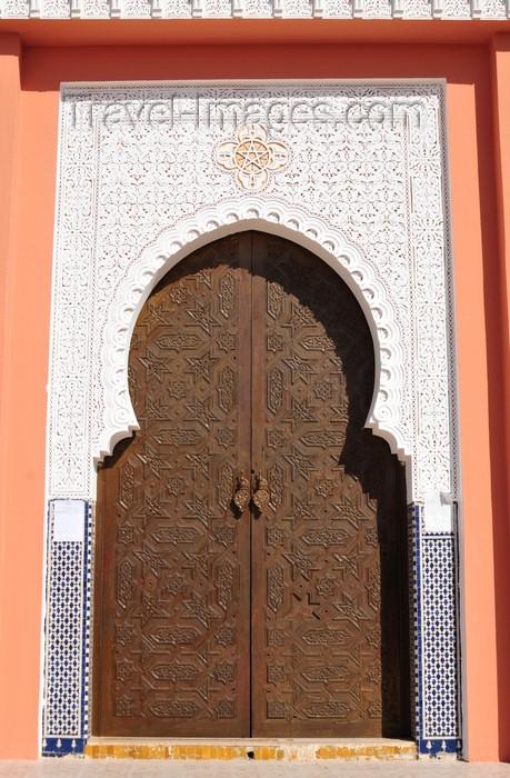 western-sahara94: Laâyoune / El Aaiun, Saguia el-Hamra, Western Sahara: Moulay Abdel Aziz Great Mosque - ornamented gate - photo by M.Torres - (c) Travel-Images.com - Stock Photography agency - Image Bank