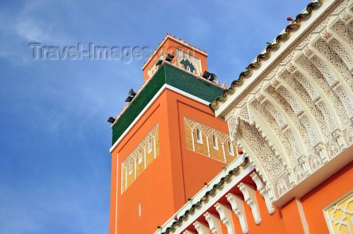 western-sahara95: Laâyoune / El Aaiun, Saguia el-Hamra, Western Sahara: minaret and cornice - Moulay Abdel Aziz Great Mosque - photo by M.Torres - (c) Travel-Images.com - Stock Photography agency - Image Bank