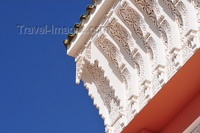 western-sahara96: Laâyoune / El Aaiun, Saguia el-Hamra, Western Sahara: decorative cornice - Moulay Abdel Aziz Great Mosque - photo by M.Torres - (c) Travel-Images.com - Stock Photography agency - Image Bank