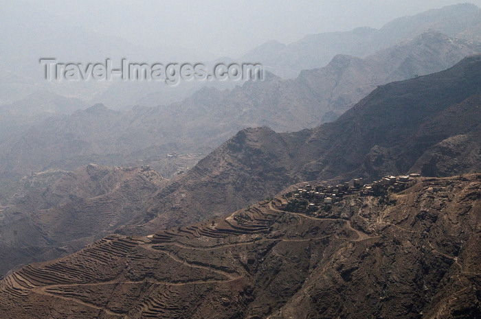 yemen108: Central mountains, Hajjah governorate, Yemen: mountain village, road switchbacks and terracing - photo by J.Pemberton - (c) Travel-Images.com - Stock Photography agency - Image Bank