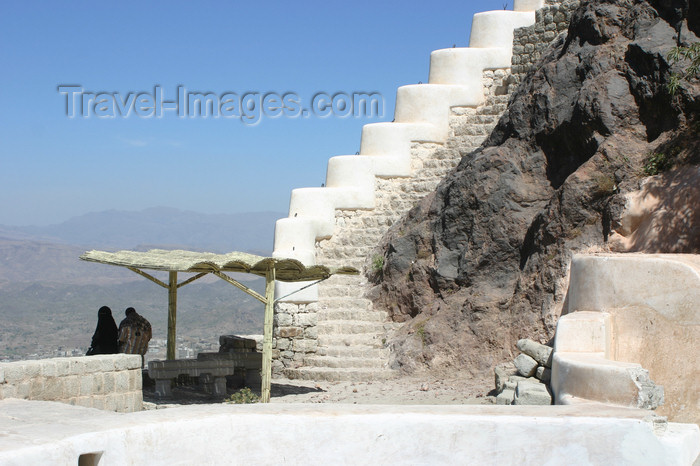 yemen15: Yemen - Taizz - couple enjoying the view from the citadel at Jabel Sabir - photo by E.Andersen - (c) Travel-Images.com - Stock Photography agency - Image Bank