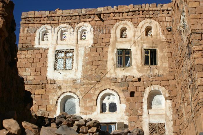 yemen34: Yemen - Kawkaban - Al-Mahwit Governorate - windows - photo by E.Andersen - (c) Travel-Images.com - Stock Photography agency - Image Bank