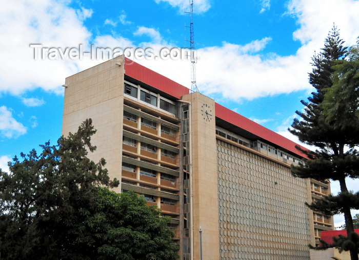 zambia47: Lusaka, Zambia: Evelyn Hone College, named after Sir Evelyn Dennison Hone, the last Governor of Northern Rhodesia - Church Road - photo by M.Torres - (c) Travel-Images.com - Stock Photography agency - Image Bank