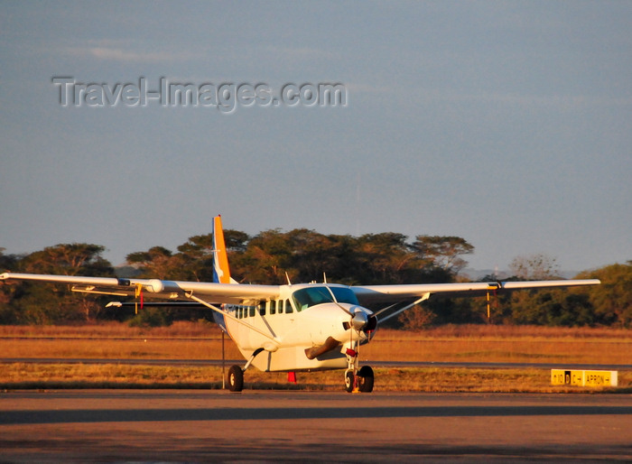 zambia52: Lusaka, Zambia: Cessna 208B Grand Caravan - 9J-PCR, Proflight Commuter Services - Lusaka / Kenneth Kaunda International Airport - LUN - photo by M.Torres - (c) Travel-Images.com - Stock Photography agency - Image Bank