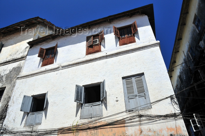 zanzibar113: Stone Town, Zanzibar, Tanzania: Zanzibari windows with shutters - whitewashed façade and Freddie Mercury's house - Shangani - photo by M.Torres - (c) Travel-Images.com - Stock Photography agency - Image Bank