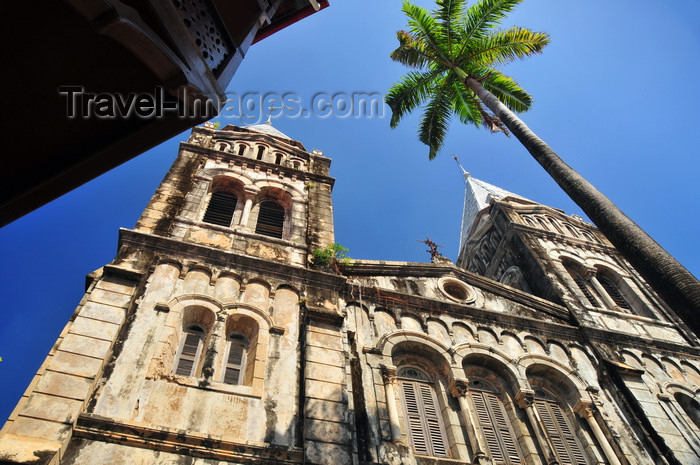 zanzibar156: Stone Town, Zanzibar, Tanzania: St Joseph's Catholic Cathedral, built by French missionaries, architect Jacques Henri Esperandieu - Cathedral street, between Baghani and Soko Muhogo areas - photo by M.Torres - (c) Travel-Images.com - Stock Photography agency - Image Bank