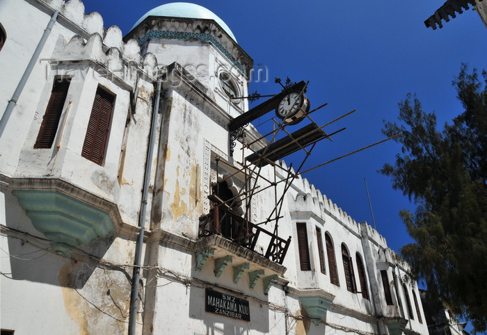 zanzibar164: Stone Town, Zanzibar, Tanzania: Old High Court of Justice, designed by J. H. Sinclair in the style defined as 'Saracenism' - Mahakama Kuu - Kaunda road - Vuga area - photo by M.Torres - (c) Travel-Images.com - Stock Photography agency - Image Bank