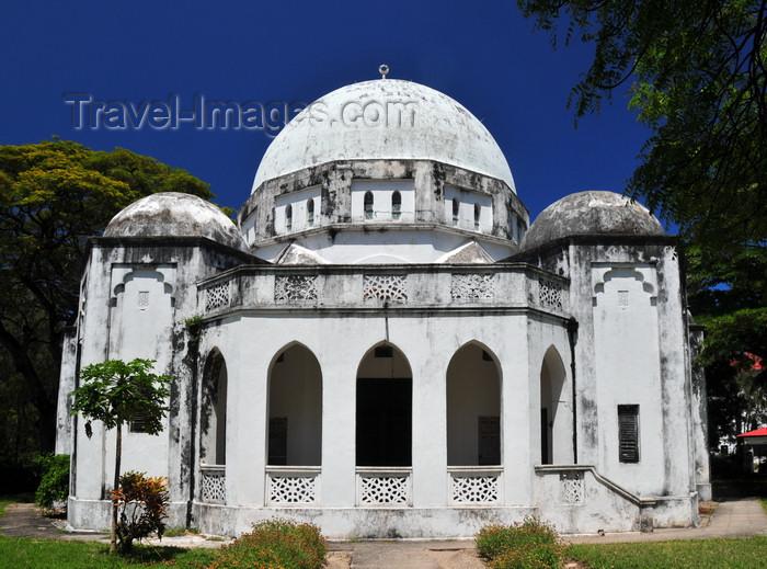 zanzibar169: Stone Town, Zanzibar, Tanzania: Peace Memorial Museum - Beit Al-Amani - Benjamin Mkapa road, Mnazi Mmoja Gardens - photo by M.Torres - (c) Travel-Images.com - Stock Photography agency - Image Bank