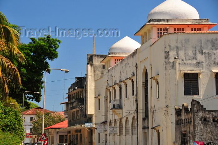 zanzibar171: Stone Town, Zanzibar, Tanzania: Museum road - the State University of Zanzibar - SUZA - Vuga area - photo by M.Torres - (c) Travel-Images.com - Stock Photography agency - Image Bank