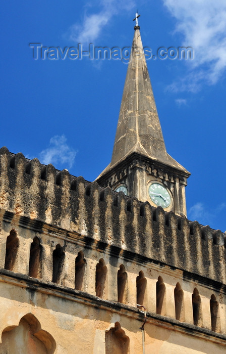 zanzibar175: Stone Town, Zanzibar, Tanzania: Anglican Cathedral - Church of Christ - stands where the Slave Market used to be - built in 1873 by Edward Steere, Third Bishop of Zanzibar - combination of elements of Gothic and Islamic design - Mkunazini area - photo by M.Torres - (c) Travel-Images.com - Stock Photography agency - Image Bank