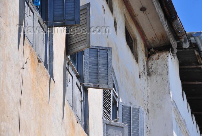zanzibar178: Stone Town, Zanzibar, Tanzania: windows with shutters - Mkunazini area - photo by M.Torres - (c) Travel-Images.com - Stock Photography agency - Image Bank