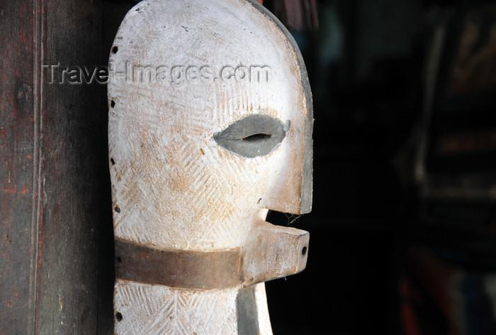 zanzibar182: Stone Town, Zanzibar, Tanzania: tribal mask on Gizenga St, former Portuguese street - Soko Muhogo area - photo by M.Torres - (c) Travel-Images.com - Stock Photography agency - Image Bank
