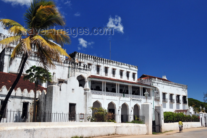 zanzibar34: Stone Town, Zanzibar, Tanzania: Palace museum, the former Sultan's Palace - Beit el-Sahel - Forodhani, Mzingani road - UNESCO World Heritage Site - photo by M.Torres - (c) Travel-Images.com - Stock Photography agency - Image Bank