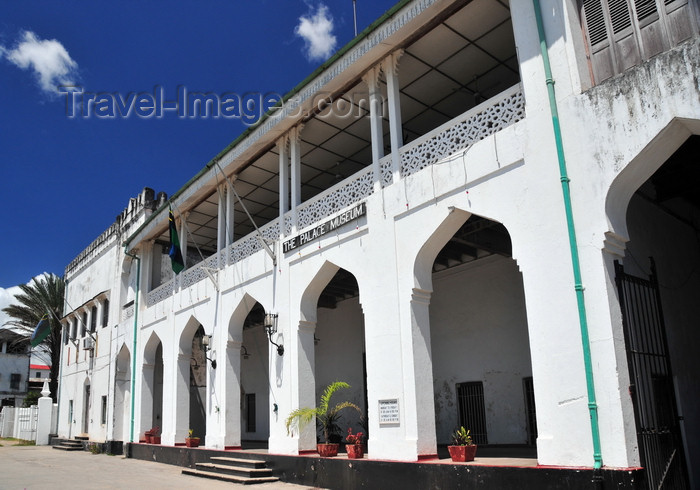 zanzibar38: Stone Town, Zanzibar, Tanzania: Palace museum - Beit el-Sahel - Arabic-style architecture - Forodhani, Mzingani road - photo by M.Torres - (c) Travel-Images.com - Stock Photography agency - Image Bank