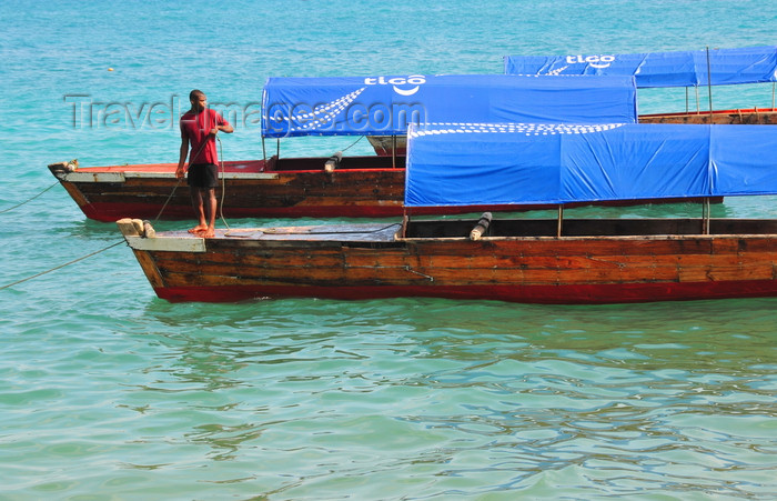 zanzibar47: Stone Town, Zanzibar, Tanzania: idle water taxis seen from Mizingani Road - photo by M.Torres - (c) Travel-Images.com - Stock Photography agency - Image Bank