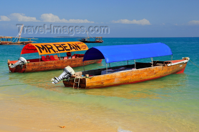 zanzibar80: Stone Town, Zanzibar, Tanzania: canvas covered boats near the beach - Mr. Bean - Shangani - photo by M.Torres - (c) Travel-Images.com - Stock Photography agency - Image Bank