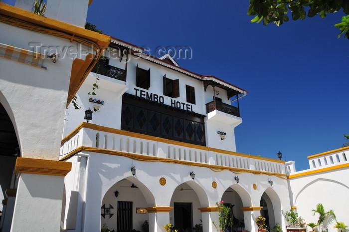 zanzibar82: Stone Town, Zanzibar, Tanzania: Tembo hotel - former American consulate - porch on the northern façade - Shangani - photo by M.Torres - (c) Travel-Images.com - Stock Photography agency - Image Bank