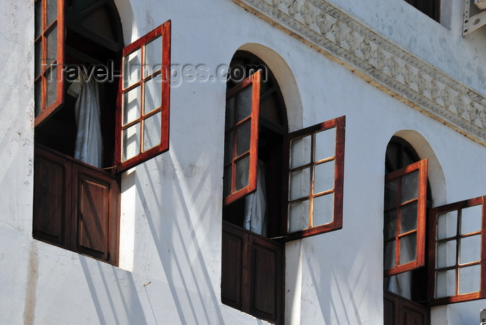 zanzibar93: Stone Town, Zanzibar, Tanzania: windows of the Abuso Inn, Shangani street - photo by M.Torres - (c) Travel-Images.com - Stock Photography agency - Image Bank