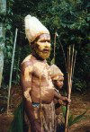 Papua New Guinea - Highlands: an archer (photo by G.Frysinger)