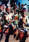 Papua New Guinea - Kaibola - Kiriwina - Trobriand Islands - Trobriand Islands: female dancers (photo by G.Frysinger)