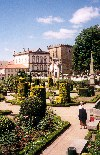 Portugal - Barcelos: jardins - photo by M.Durruti