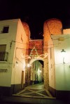 Oliven�a: porta nas muralhas - imagem nocturna / gate - at night - photo by M.Durruti