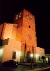 Oliven�a: igreja de Santa Maria do Castelo - vista nocturns / St Mary's church - at night - photo by M.Durruti