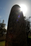 Almendres: menhir - worshiping the sun / menir - adoração do sol  - photo by M.Durruti