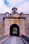 Portugal - Almeida: entrada pelas portas de São Francisco / Cruz / sudoeste / entering through the São Francisco / south-east gates  - photo by M.Durruti