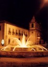 Portugal - Pombal: by night - fountain / vista nocturna - photo by M.Durruti