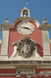 Portugal - Caldas da Rainha: clock at a police station -  Republic square  - Pra�a da Rep�blica - rel�gio na esquadra da pol�cia - photo by M.Durruti