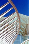 Portugal -  Lisboa: Gare do Oriente (arq. Santiago Calatrava) / the Eastern station and the sky - photo by F.Rigaud
