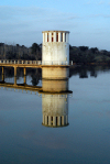 Montargil - concelho de Ponte de Sor: on the dam - reflection / na barragem - reflexo - photo by M.Durruti