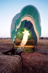 Alc�cer do Sal: enchimento de um bal�o de ar quente / filling an hot air balloon - photo by M.Durruti
